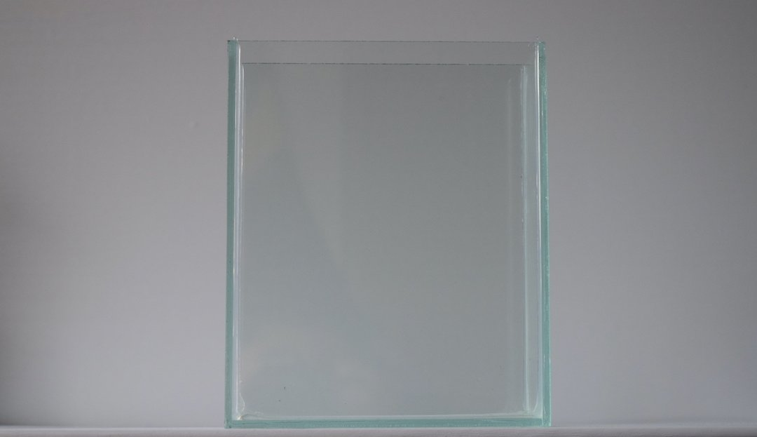 Display Glass Tank for Photos/Videos (Rimless)